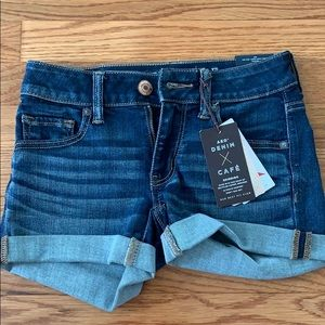Never been worn American Eagle shorts